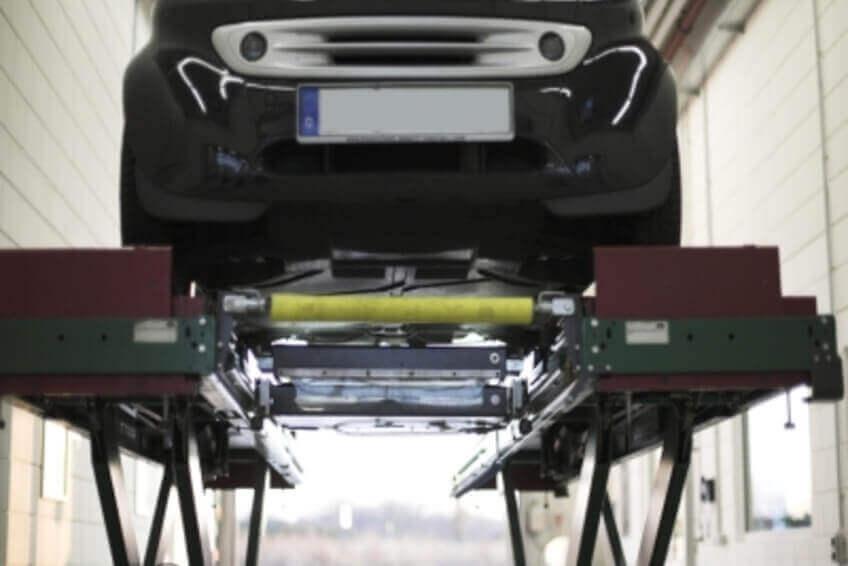 Hebebühne Rolltor Auto Prüfung